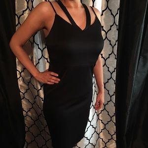 Dresses & Skirts - Black dress 👗
